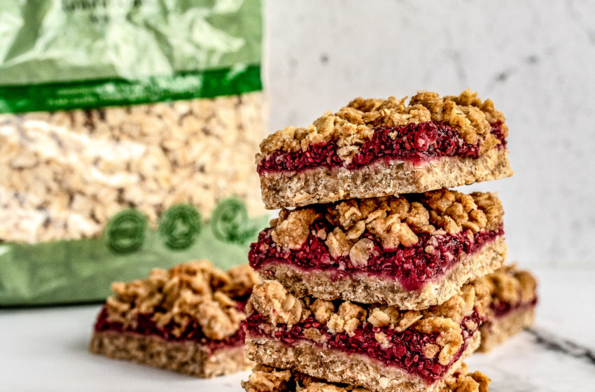 PB Oat Crumble Squares with Raspberry Chia Jam
